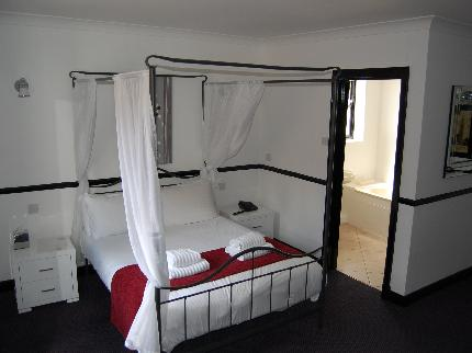 Hotel Noir - Laterooms
