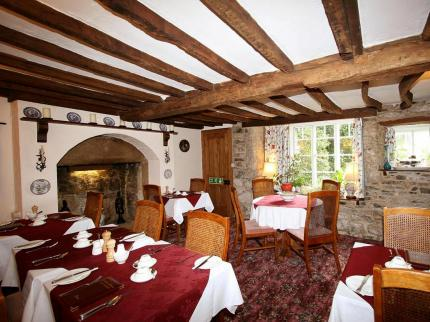 Collaven Manor Hotel - Laterooms