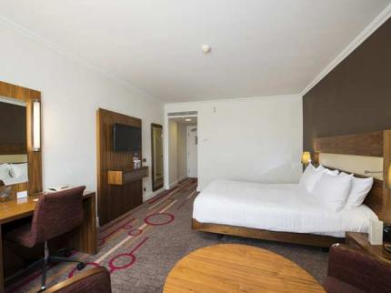 Hilton Dartford Bridge Hotel - Laterooms