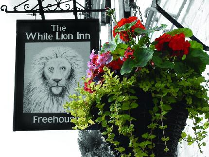 White Lion Inn - Laterooms
