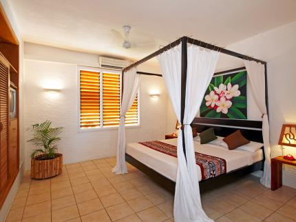 Lomani Island Resort - Laterooms