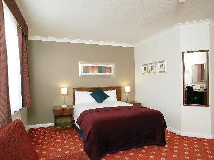 Innkeeper's Lodge Redhill/Gatwick - Newly Refurbished - Laterooms