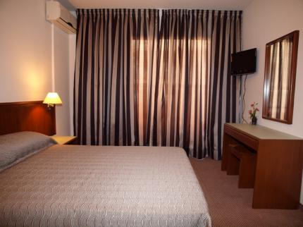 Petrou Aparthotel - Laterooms