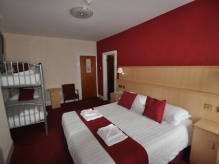 The Port Hotel - Laterooms
