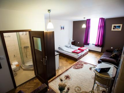 Euro-Room Hostel - Laterooms