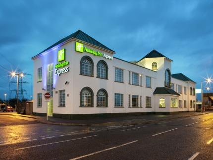 Holiday Inn Express LONDON CHINGFORD-NTH CIRCULAR - Laterooms