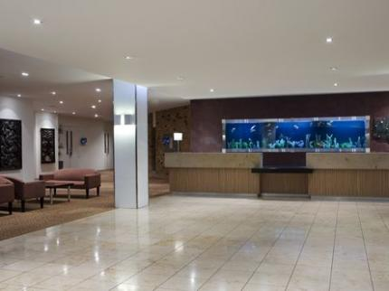Holiday Inn AUCKLAND AIRPORT - Laterooms