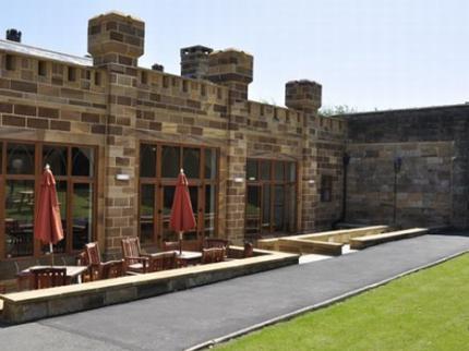 Sneaton Castle Centre - Laterooms