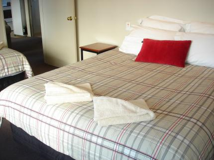 Alpine-Pacific Motels & Holiday Park - Laterooms