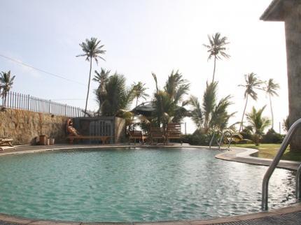 C & I Beach Hotel - Laterooms