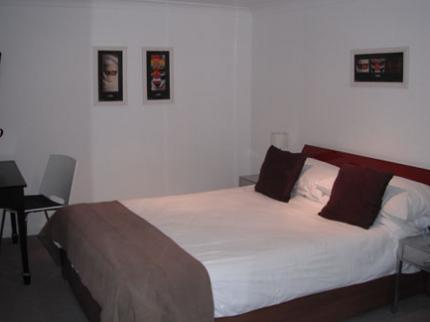 Basingstoke Lodge - Laterooms