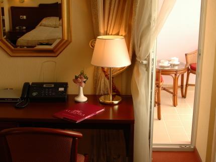 Aurora Premier Hotel - Laterooms