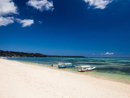 Lembongan Beach Club and Resort - Laterooms