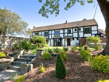 Priory Court Hotel - Laterooms