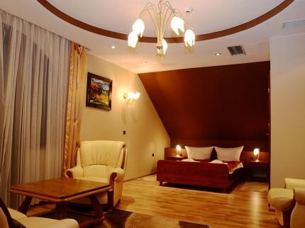 Hotel Tyniecki - Laterooms