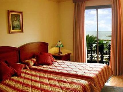 Park Plaza Suites Hotel - Laterooms