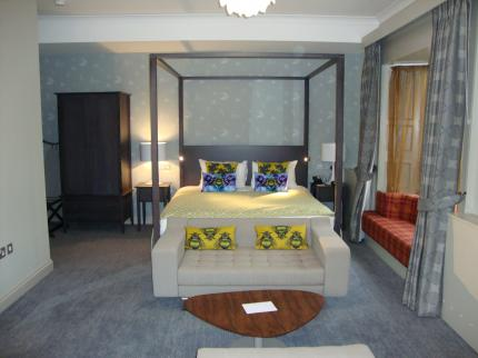 Coulsdon Manor - a Bespoke Hotel - Laterooms