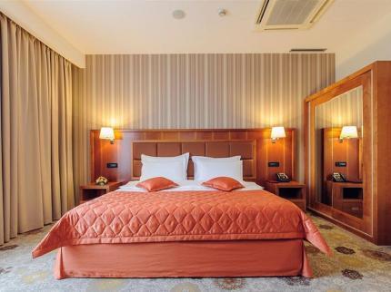 Hotel M Nikic - Laterooms