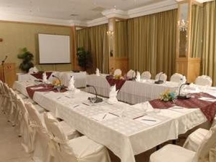 Ramada Hotel Kuwait - Laterooms