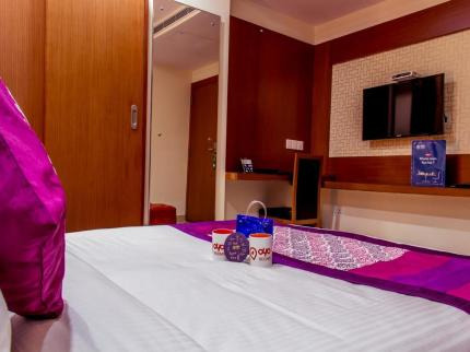 OYO Premium Diamond Park - Laterooms