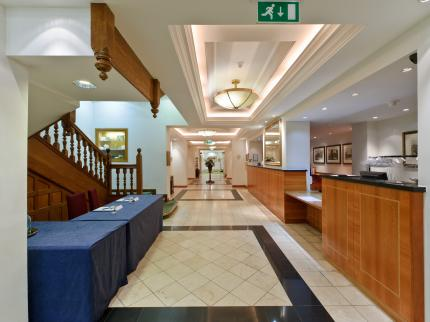 Savill Court  Hotel - Laterooms