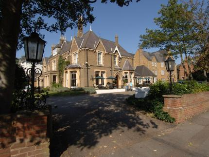 Cotswold Lodge Hotel - Laterooms