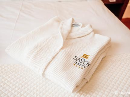The Savoy Jersey - Laterooms