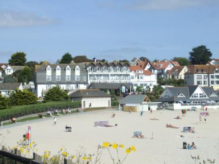 Falmouth Beach Hotel - Laterooms