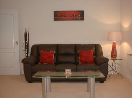 Cardifflet @ Bay Apartments - Laterooms