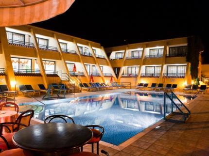 Napa Prince Hotel Apts - Laterooms