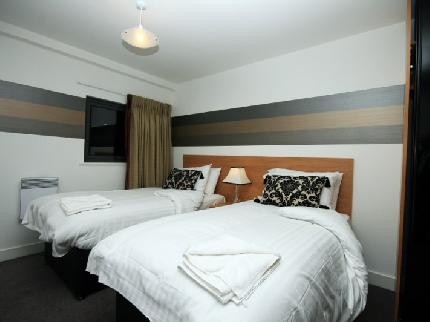 Platinum Signature Stay  Elysian Fields Apartments - Laterooms